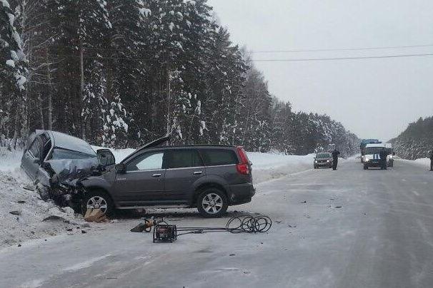 Два человека погибли вдвойном ДТП натрассе «Тюмень-Омск»