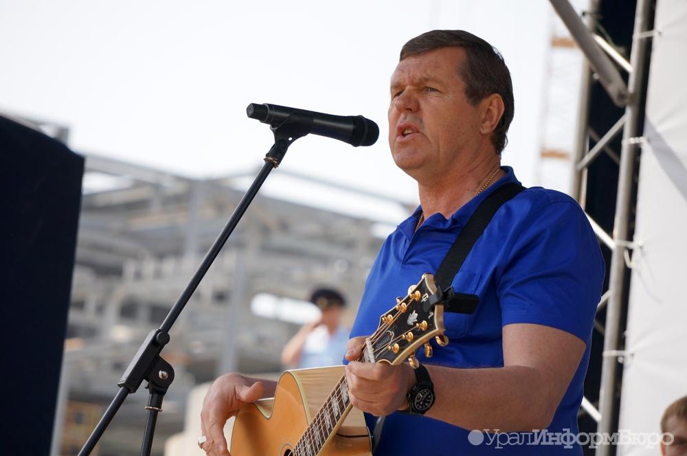 Александр Новиков получил свидетельство кандидата в народные избранники свердловского Заксобрания