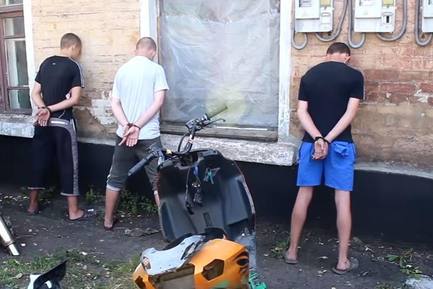 Боевики «ДНР» сообщили опоимке группы несовершеннолетних диверсантов вЯсиноватой