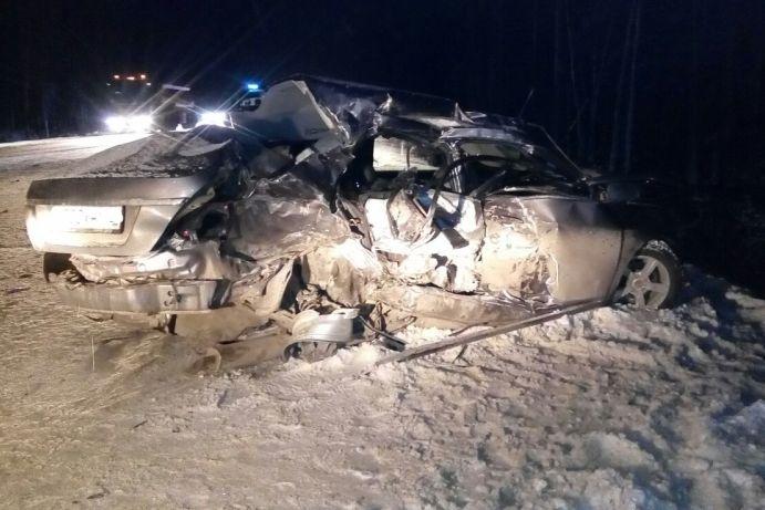 ВХМАО столкнулись «Газель» иGeely: 4 человека погибли