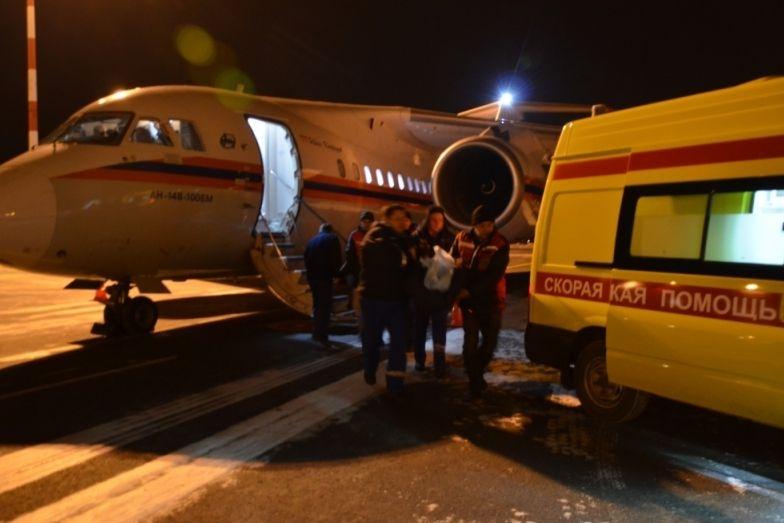 Спецборт МЧС доставил тяжелобольного ребенка из столицы вЕкатеринбург