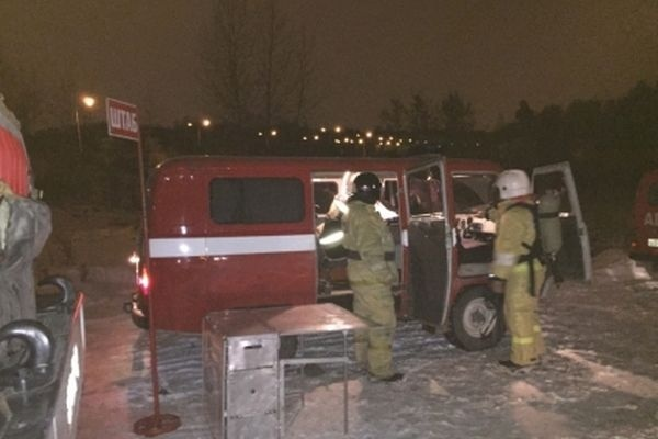 Пожарные вПерми гасят возгорание в 2-х ангарах