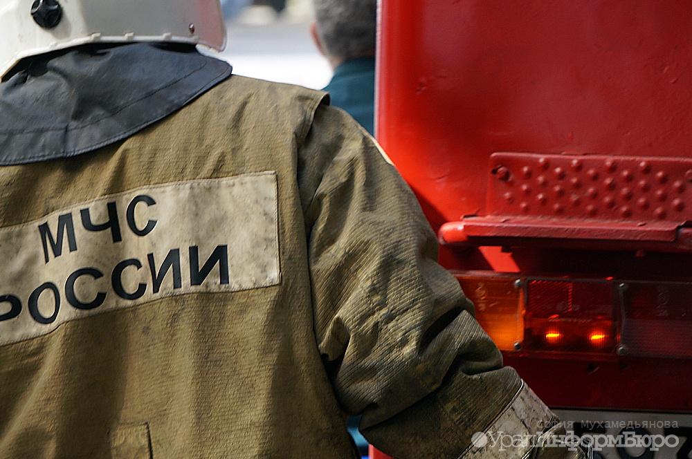 ВЧелябинске взорвался павильон скраской впожаре