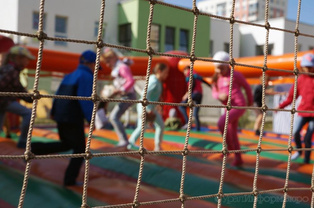 Вюжноуральском детском лагере ребенок забрел втлеющий костер