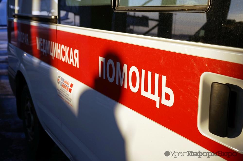 ВСердловской области Киа  протаранила бетонную опору, умер  6-летний сын