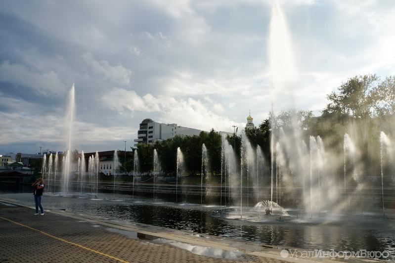 ВЕкатеринбурге приступили кмонтажу фонтанов наИсети
