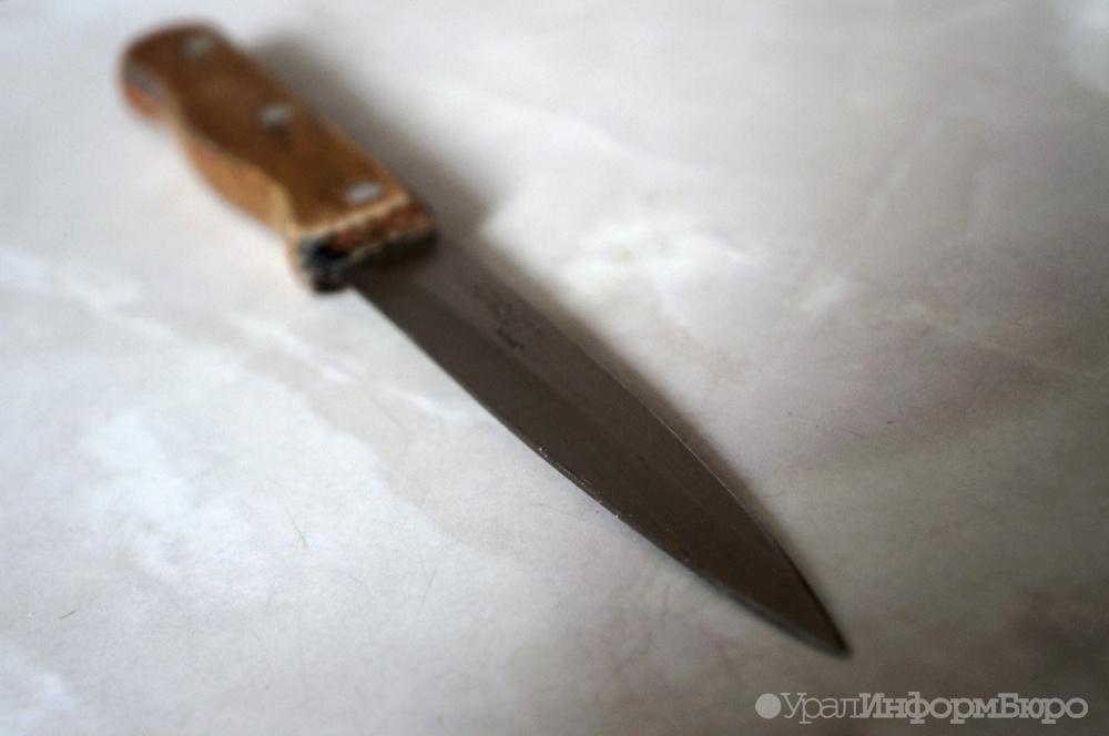 Гражданин Сургута отобрал укурьера пиццу, угрожая ножом
