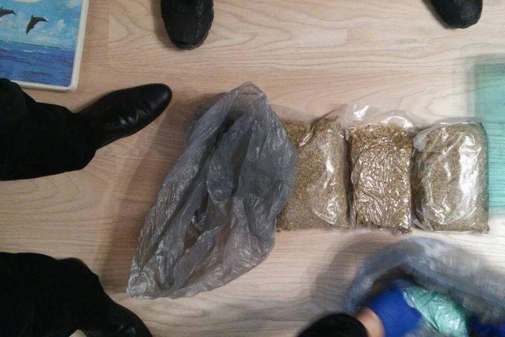 Утюменской группировки изъяли неменее 2кг наркотиков