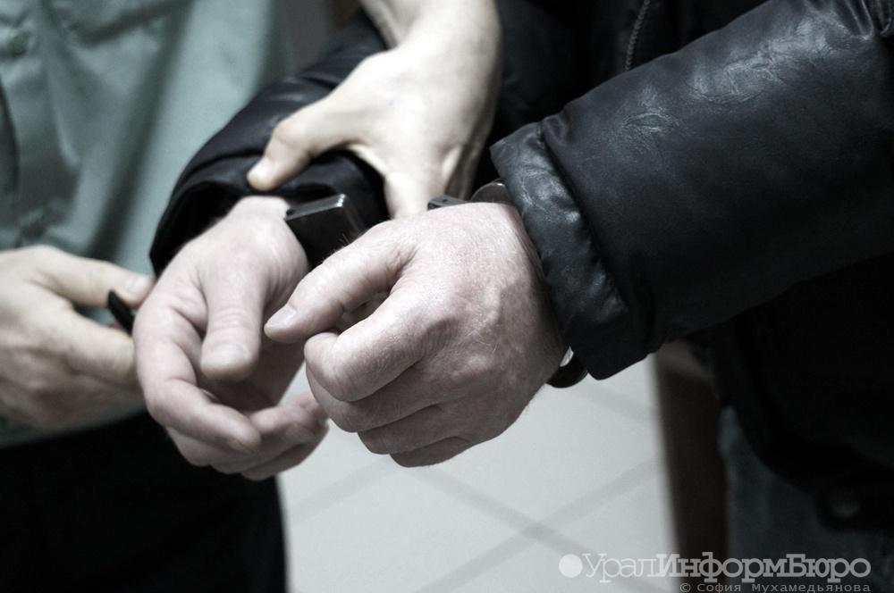 Милиция Екатеринбурга раскрыла серию краж изсалонов мобильной связи