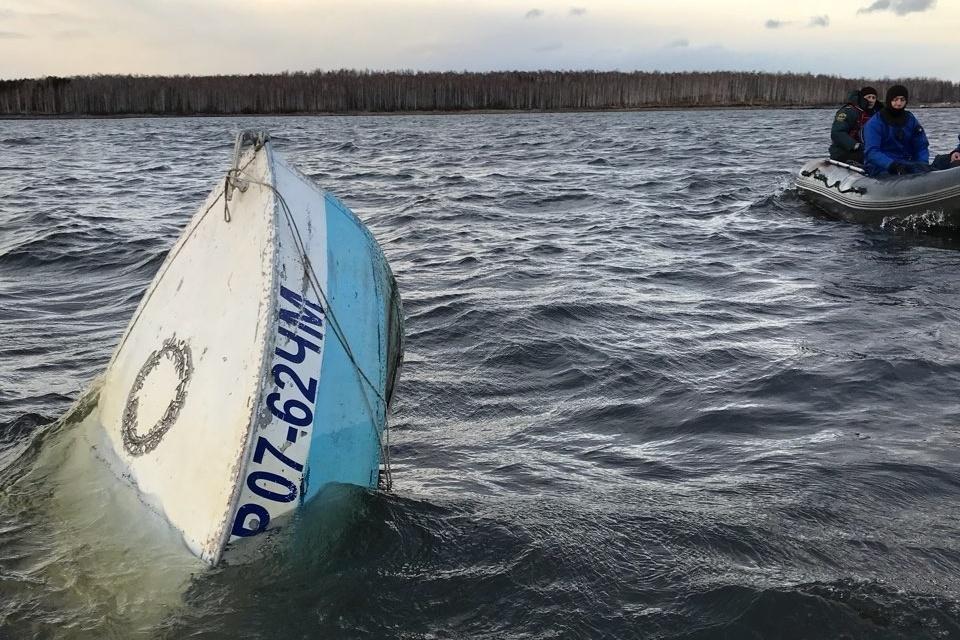 ВЧелябинской области продолжаются поиски 5-ого утонувшего вовремя поминок наозере