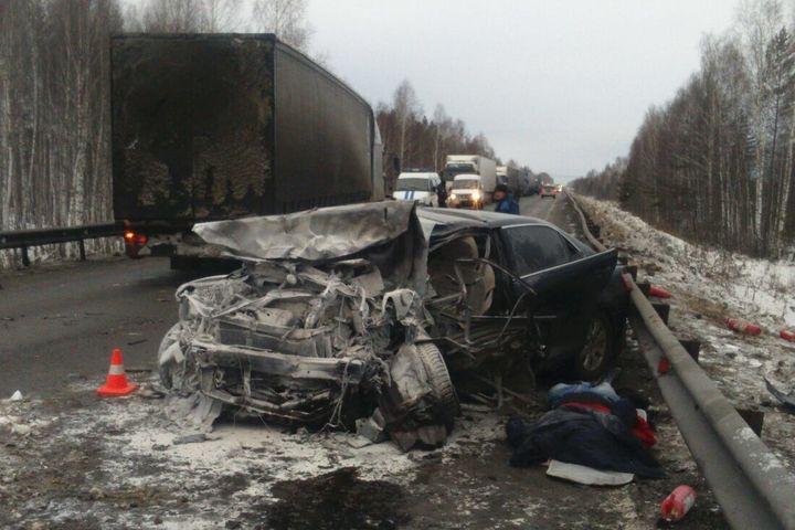 Два водителя погибли натюменской трассе
