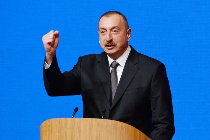 Убедительная победа Алиева: ВАзербайджане подводят первые результаты президентских выборов
