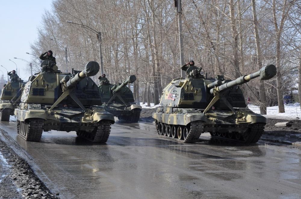 В столицуРФ завезли танки иракетные установки