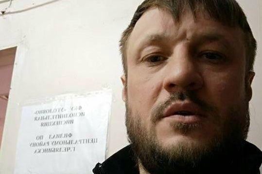 Счелябинского экс-чиновника Сандакова сняли наодин день домашний арест