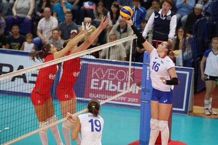 Волейболистки сборной Турции нанесли поражение команде Казахстана наКубке Ельцина