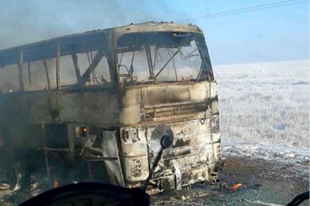 Сгоревший вКазахстане автобус направлялся в РФ