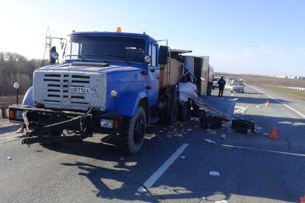 ВСвердловской области вДТП умер шофёр Хендай