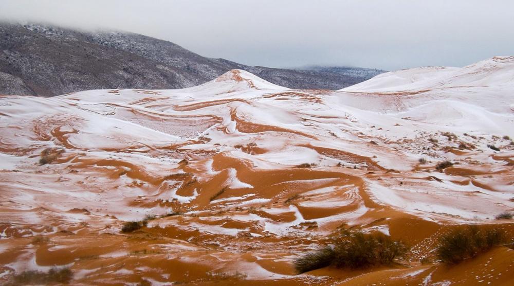 ВНАСА показали, как изкосмоса выглядит снег впустыне Сахара