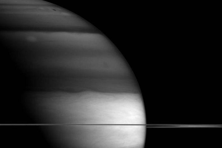 НАСА обнародовала фото Сатурна сделанное срасстояния 1,5 млн. километров