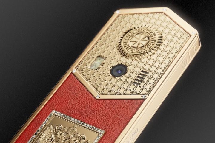 Caviar выпустил серию «Царь-телефонов» вчесть инаугурации Владимира Путина