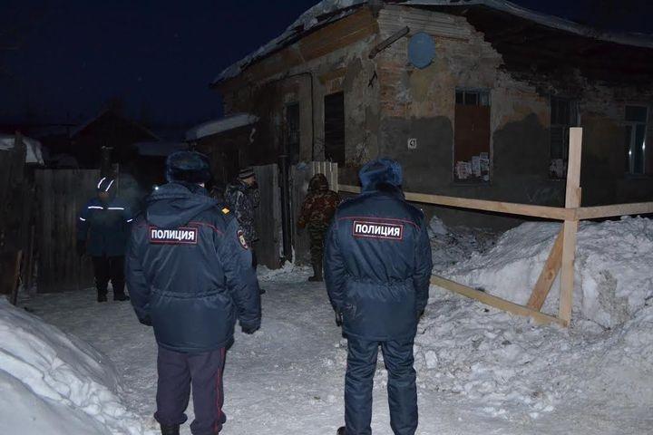 Под Свердловском частично обвалился дом 1900-ого