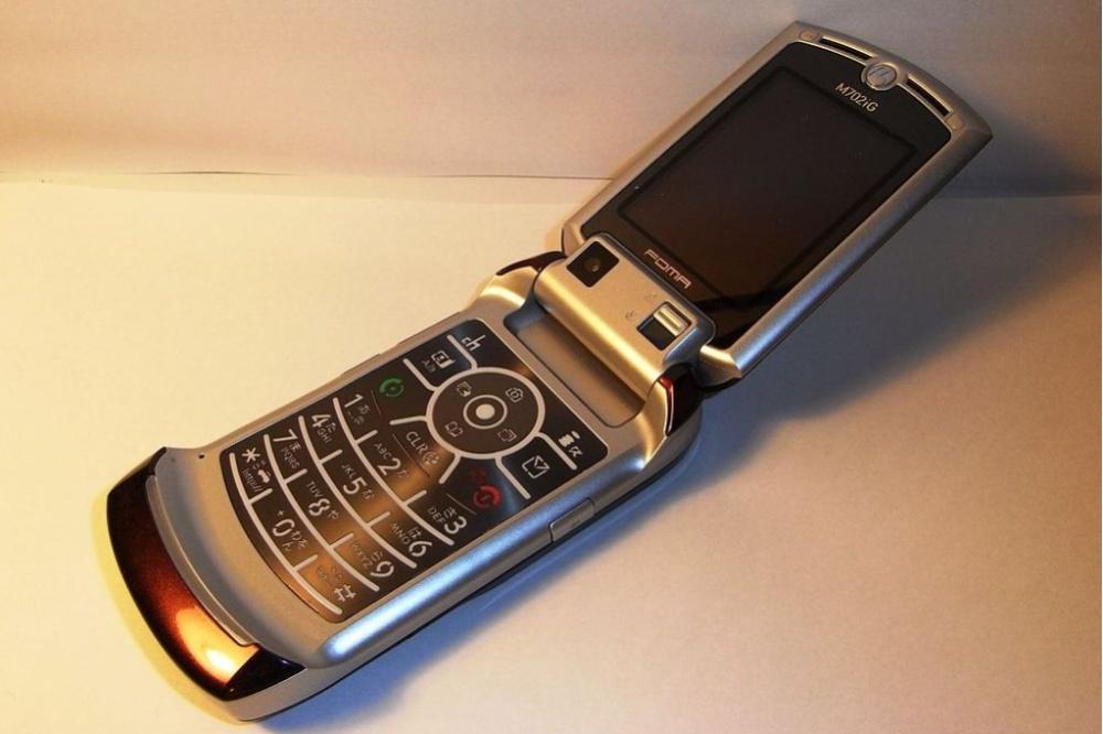 Возвращение легенды. Новая «раскладушка» Motorola RAZR сосгибающимся дисплеем обойдется в $1500
