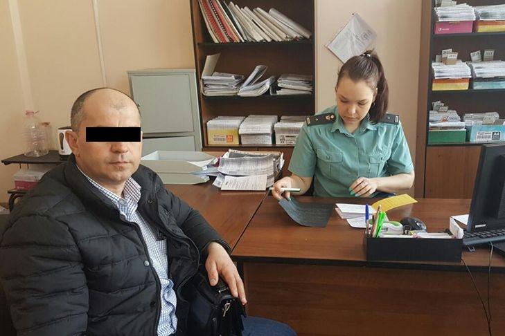 Неменее 20 тыс. свердловчан из-за долгов ограничены ввыезде из Российской Федерации