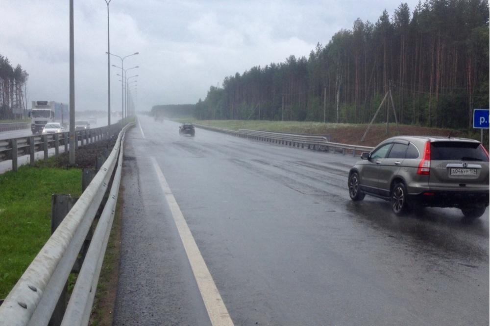 Движение через поврежденный ливнями мост натрассе Пермь-Екатеринбург восстановлено