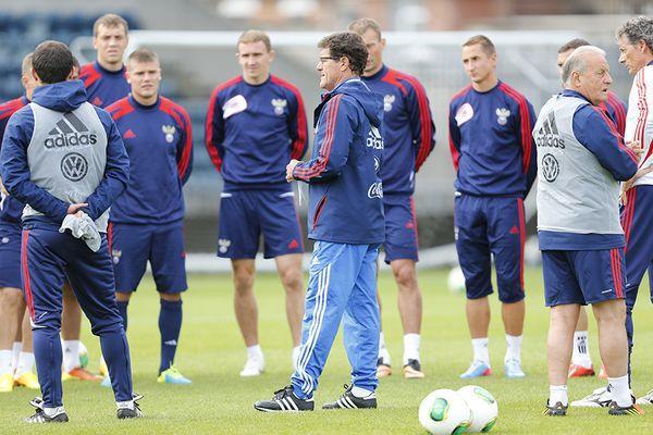Спрогнозируй стартовый состав на товарищеский матч сборной России со сборной Словакии