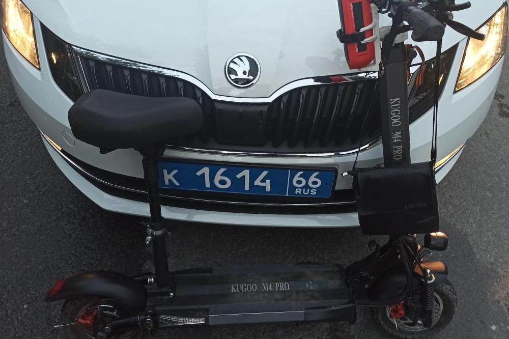 Житель Екатеринбурга получил 10 суток за пьяную езду на электросамокате