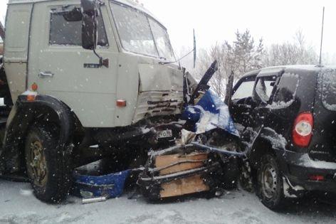 Два человека погибли в итоге «тройного» ДТП натрассе Пермь