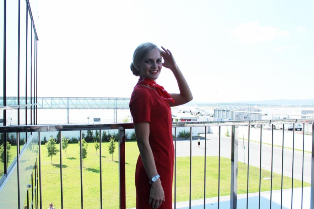 ВТОП самых красивых стюардесс мира угодила жительница Екатеринбурга