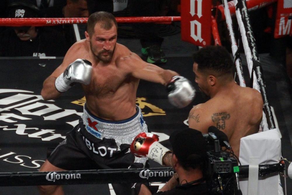 Русский боксер Ковалев признал заслуженной победу Уорда