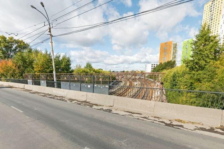 Екатеринбургские дорожники досрочно откроют мост на Смазчиков