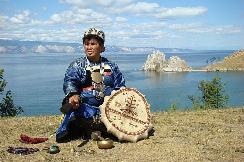 Киргизские шаманы обещали спасти США отвулкана засписание госдолга икомандировочные