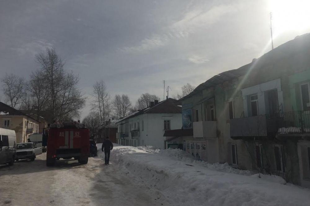 МЧС: вАлександровске обрушилась кровля жилого дома