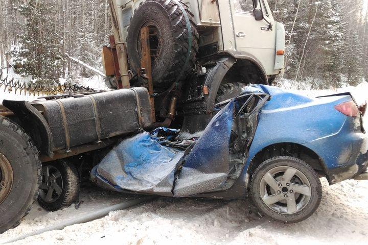 Натрассе Тюмень— Ханты-Мансийск вДТП погибли два человека