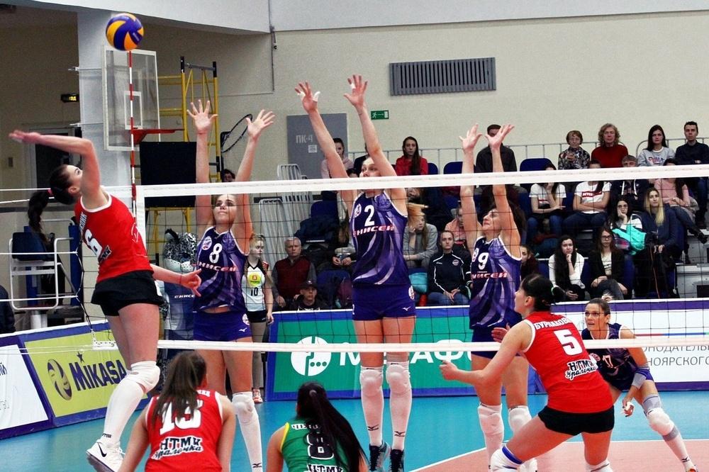 Волейболистки «Енисея» вышли вперед всерии забронзу чемпионата РФ с«Уралочкой»