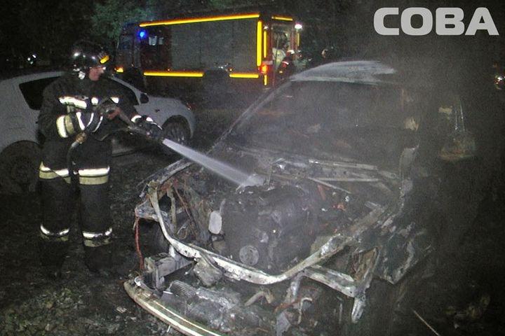 ВЕкатеринбурге ночью сгорел «Ауди Q7». Владелец подозревает поджог