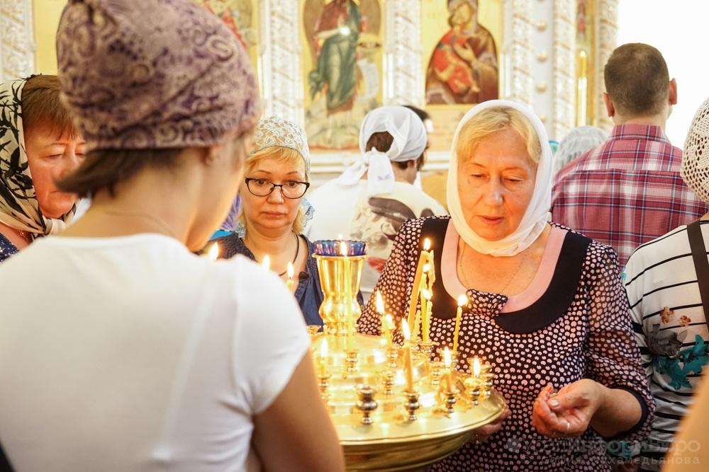 Доходы церкви понижаются из-за бедности граждан России