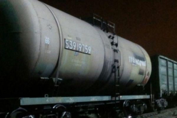 Настанции Екатеринбург-Сортировочный произошла утечка бензина