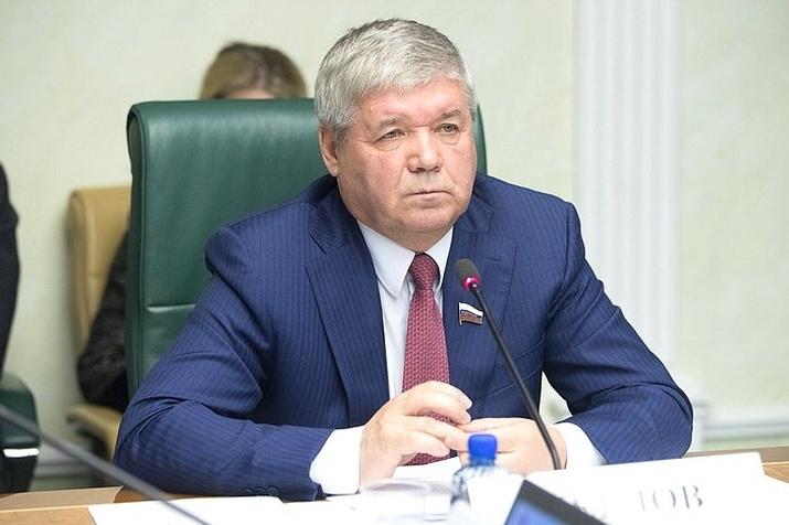 Сенатор отЯмала Юрий Неелов решил уйти избольшой политики