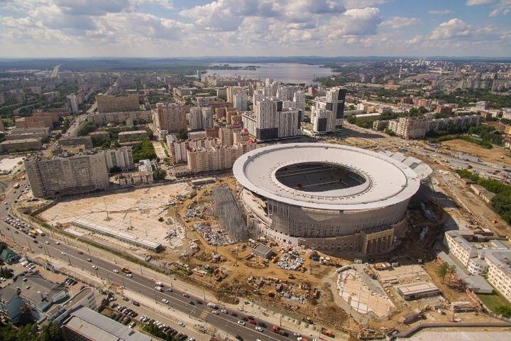 НаЦентральном стадионе завершили монтаж навеса. Его вес— 6000 тонн