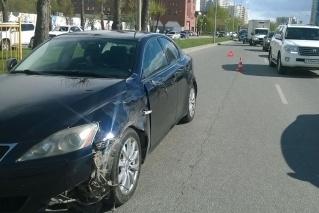 Опубликованы фото с места ДТП в Екатеринбурге: водитель Lexus отправил екатеринбуржца в кому